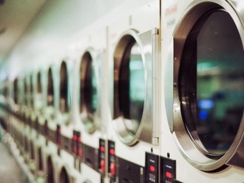 Viele Waschmaschinen